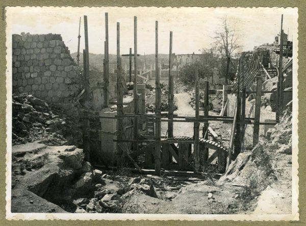 Año 1945-09-15 - Paso superior e inferior de la explanada del picadero_1
