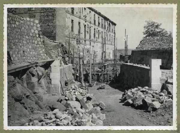 Año 1945-09-15 - Paso superior e inferior de la explanada del picadero_3