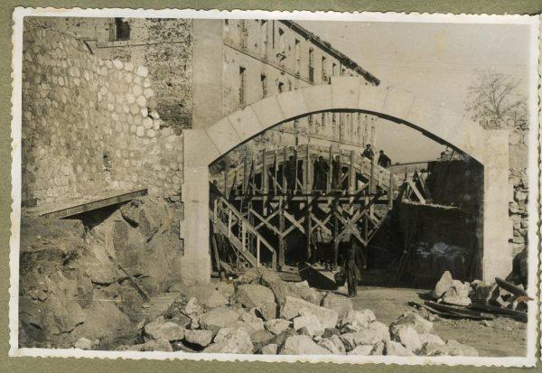 Año 1946-02-10 - Paso superior e inferior de la explanada del picadero_2
