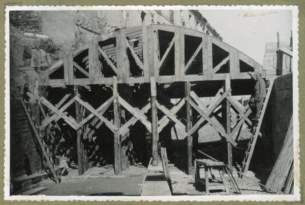 Año 1946-02-14 - Paso superior e inferior de la explanada del picadero_1