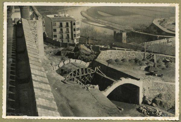 Año 1946-02-14 - Paso superior e inferior de la explanada del picadero_2