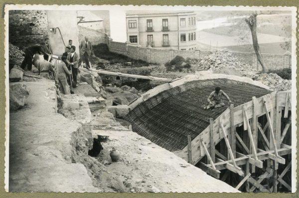 Año 1946-03-28 - Paso superior e inferior de la explanada del picadero_3