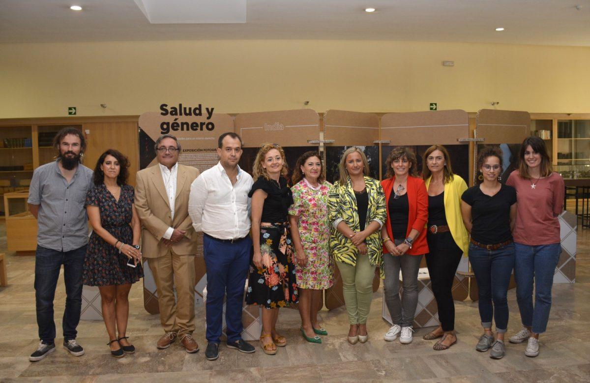 http://www.toledo.es/wp-content/uploads/2019/09/foto-exposicion-farmamundi-01-1200x779.jpg. El Gobierno local respalda la exposición de la ONG Farmamundi sobre las desigualdades de las mujeres en el acceso a la salud