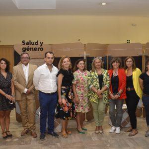l Gobierno local respalda la exposición de la ONG Farmamundi sobre las desigualdades de las mujeres en el acceso a la salud