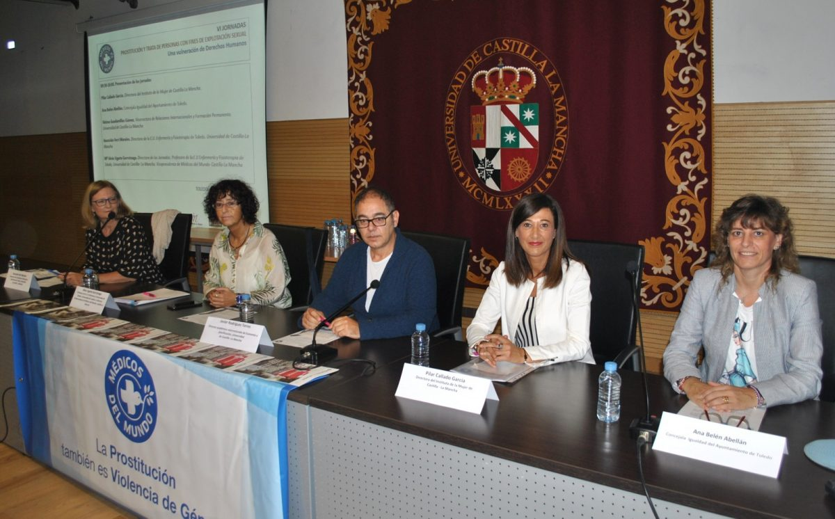 http://www.toledo.es/wp-content/uploads/2019/09/foto-jornadas-prostitucion-y-trata-1200x746.jpg. El equipo de Gobierno destaca la importancia de abordar la prostitución y la trata de personas como violencia machista