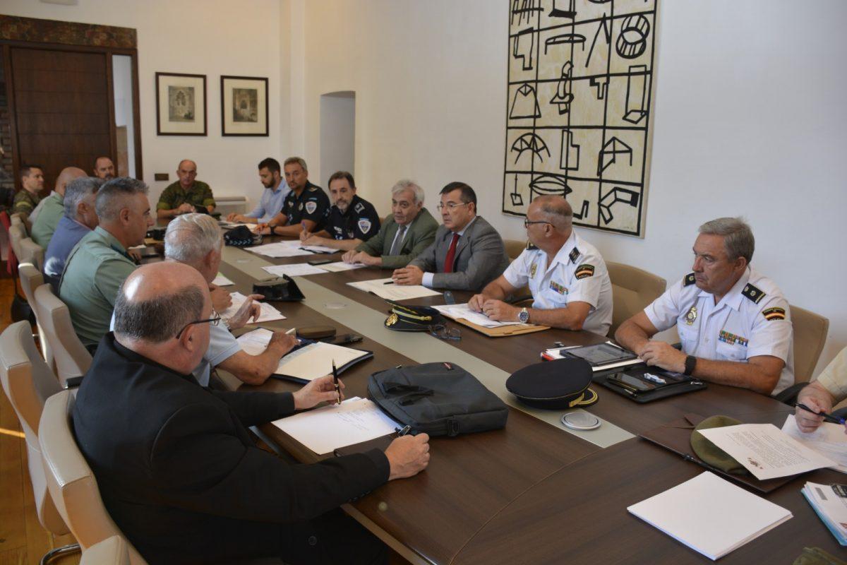https://www.toledo.es/wp-content/uploads/2019/09/junta-local-de-seguridad-1200x800.jpg. La Junta Local de Seguridad aborda los acontecimientos culturales y deportivos de las próximas semanas