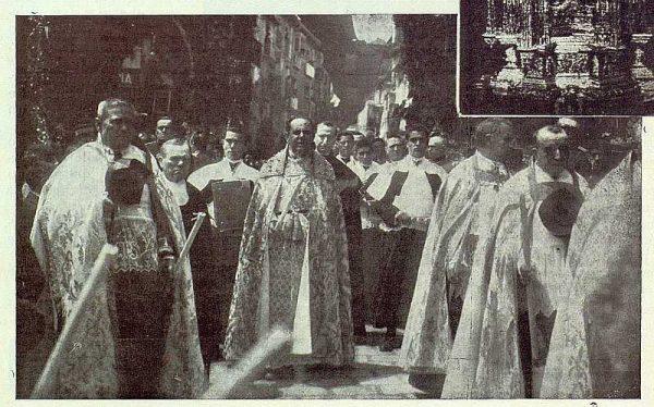 TRA-1923-195 - Procesión del Corpus, la procesión - Foto Rodríguez