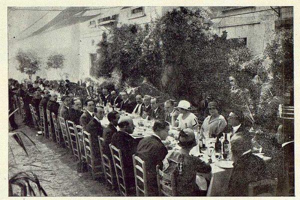 TRA-1924-208 - Homenaje a Barrés, banquete en Buenavista