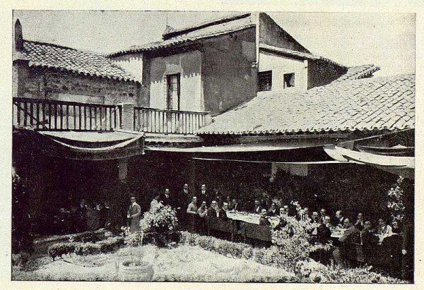 TRA-1924-208 - Homenaje a Barrés, refrigerio en la Casa del Greco
