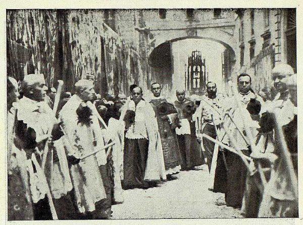 TRA-1926-238 - Congreso Eucarístico Nacional, procesión