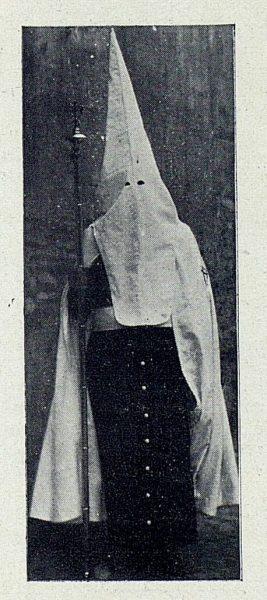 TRA-1927-242 - Procesiones, nazarenos-01 - Foto Rodríguez
