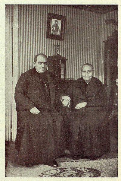 TRA-1928 - 251 - Nuevo Primado, el cardenal y su madre - Foto Rodríguez
