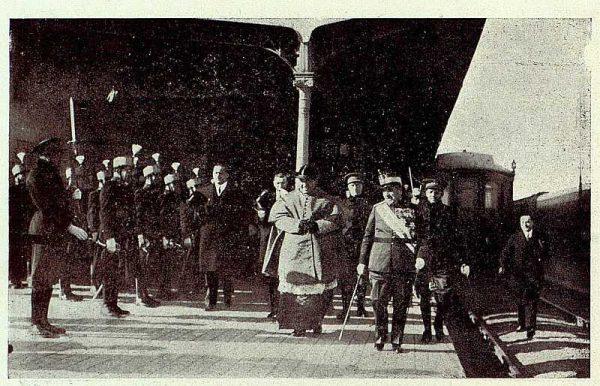 TRA-1928 - 251 - Nuevo Primado, llegada a la estación - Foto Rodríguez