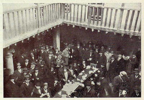 TRA-1928 - 256 - Inauguración de la Hospedería del Artista, refrigerio en la Posada de la Sangre - Foto Rodríguez