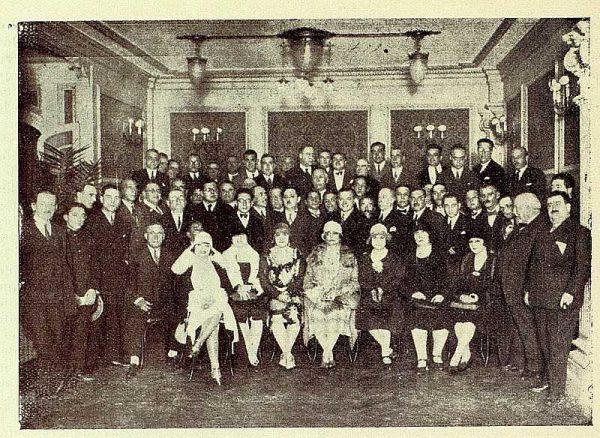 TRA-1928 - 261 - Homenaje a Jacinto Guerrero por su éxito en Martierra