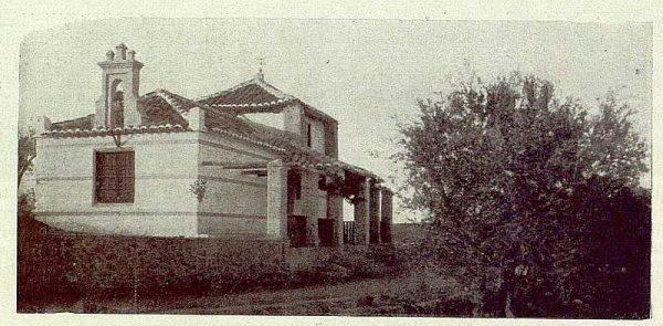 TRA-1929-264-Cigarral El Bosque de los marqueses de la Vega del Retortillo, exterior de la capilla-Foto Rodríguez