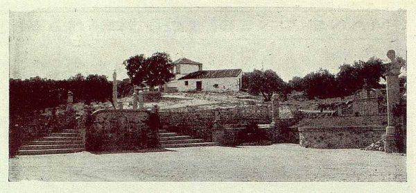 TRA-1929-264-Cigarral El Bosque de los marqueses de la Vega del Retortillo, vista general de la capilla-Foto Rodríguez
