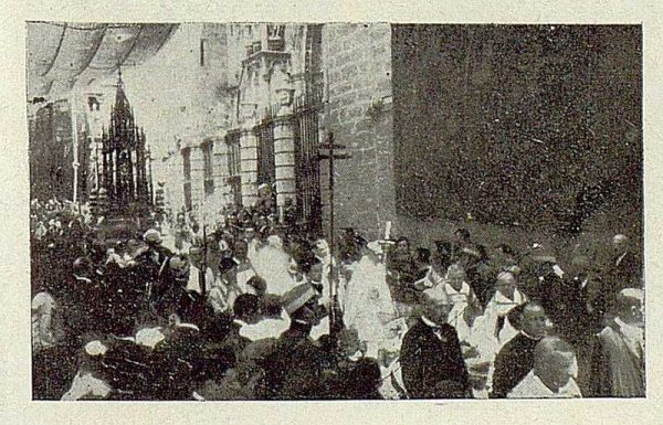 TRA-1929 - 267 - Procesión del Corpus-03 - Foto Rodríguez