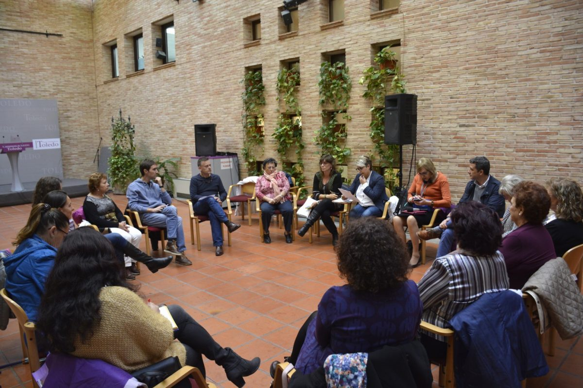 http://www.toledo.es/wp-content/uploads/2019/10/00-constitucion-consejo-local-mujer-1200x800.jpg. Constituido el Consejo Local de la Mujer que prepara el programa de actividades que acogerá Toledo el 25N