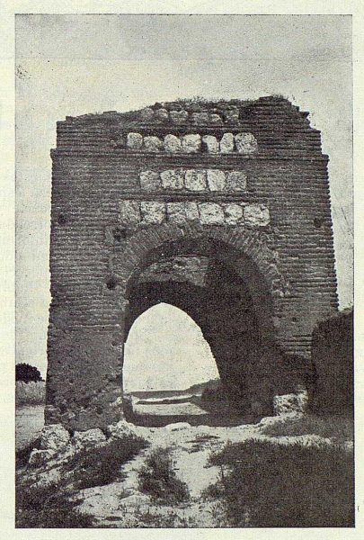 0004_TRA-1924-203-Illescas, la puerta de Ugena-Foto Aguilar