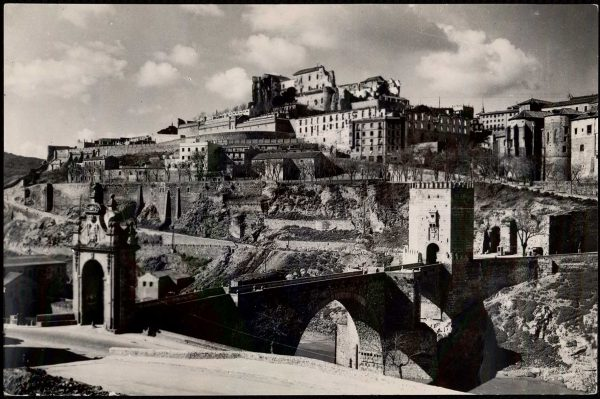 002 - Toledo - Puente de Alcántara y vista parcial