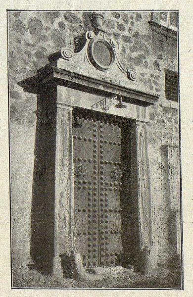 005_TRA-1918-092-Puerta en el lado este del Alcázar