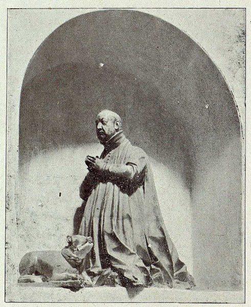 0064_TRA-1921-176-Iglesia de San Pedro Mártir, estatua-Foto Camarasa