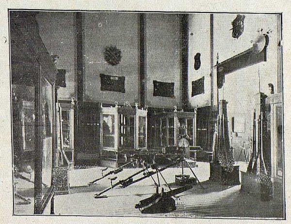 007_TRA-1918-092-Sala de armas en la Academia de Infantería