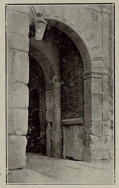 008_TRA-1921-166-Detalle de la Puerta nueva de Bisagra-Foto Camarasa