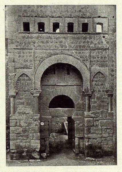 009_TRA-1922-184-Puerta de Alfonso VI-Foto Clavería
