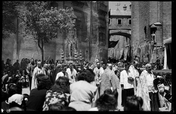 01 - 1958-06-00 - 090 - Toledo - Procesión del Corpus