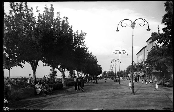 01 - 1958-06-00 - 094 - Toledo - Paseo del Miradero