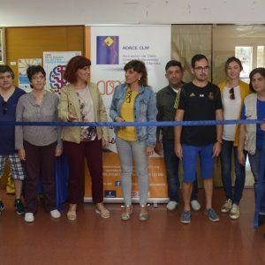 l Ayuntamiento respalda la exposición de pintura de ADACE que se podrá visitar hasta el día 14 en el Centro Cívico del Polígono