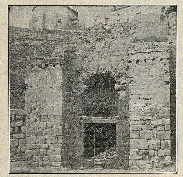 0107_TRA-1916-057-Puerta de Alcántara-Foto Ciarán