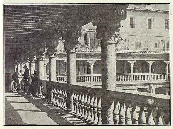0129_TRA-1919-127-Patio de San Pedro Mártir-Foto Clavería