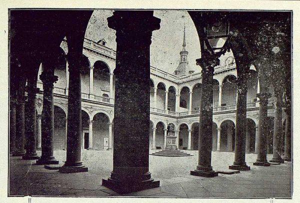 012_TRA-1922-184-Patio del Alcázar