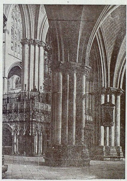 0136_TRA-1919-136-Catedral, naves de la Epístola-Foto Clavería