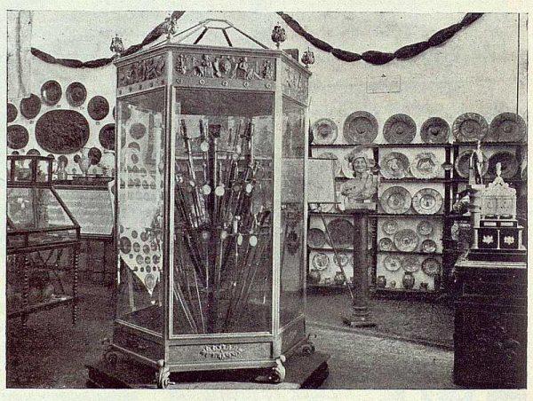 013_TRA-1922-185-Museo Romero Ortiz en el Alcázar-Foto Román