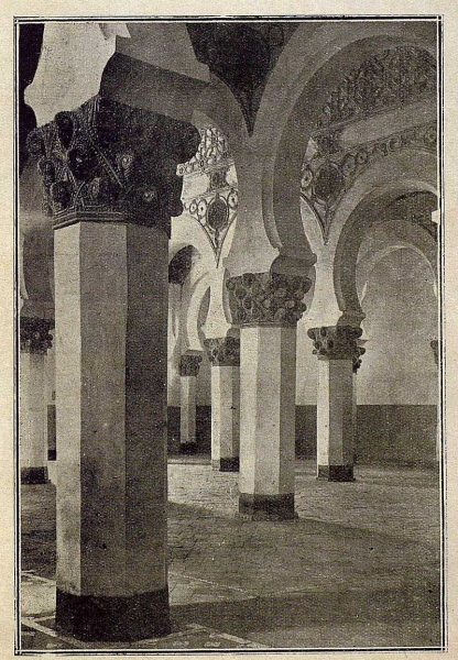 0155_TRA-1921-161-Interior de Santa María la Blanca-Foto Clavería