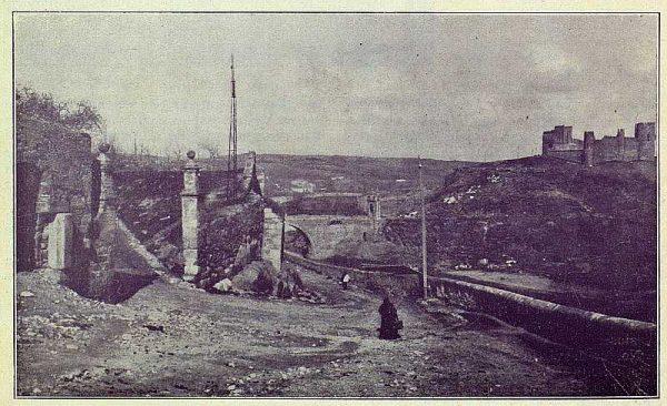 015_TRA-1924-209-Puerta de Doce Cantos