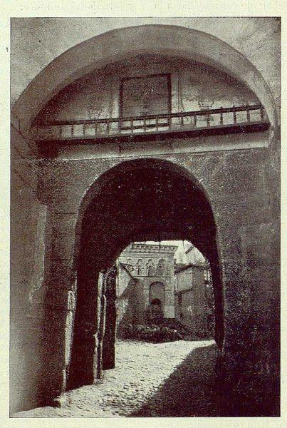 016_TRA-1925-218-Puerta de Balmardón-Foto Rodríguez