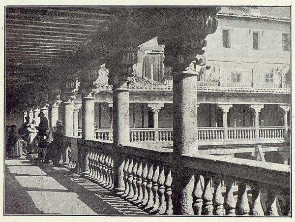 0187_TRA-1923-191-Claustro de San Pedro Mártir-Foto Clavería