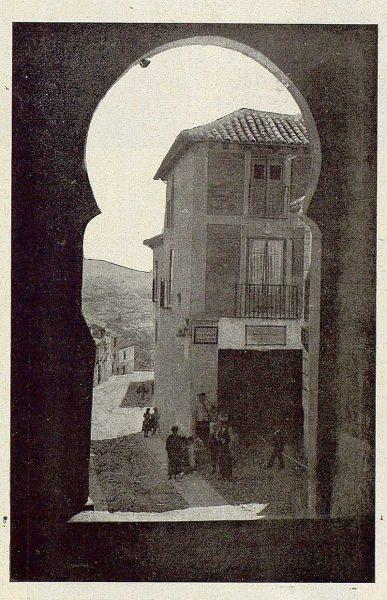 018_TRA-1925-215-Arco de la Sangre-Foto Camarasa