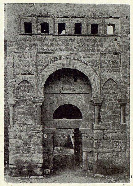 0194_TRA-1923-195-Puerta de Alfonso VI-Foto Clavería