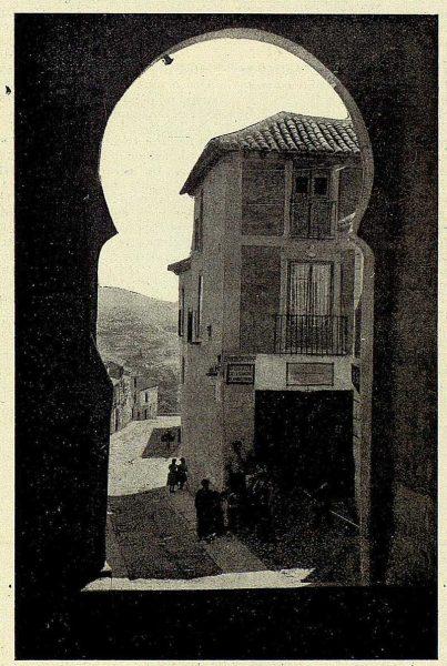 019_TRA-1926-232-Arco de la Sangre sobre el que está la Capilla del Cristo de la Sangre