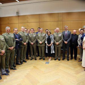 a alcaldesa asiste al concierto organizado por el Museo del Ejército con motivo de la Fiesta Nacional