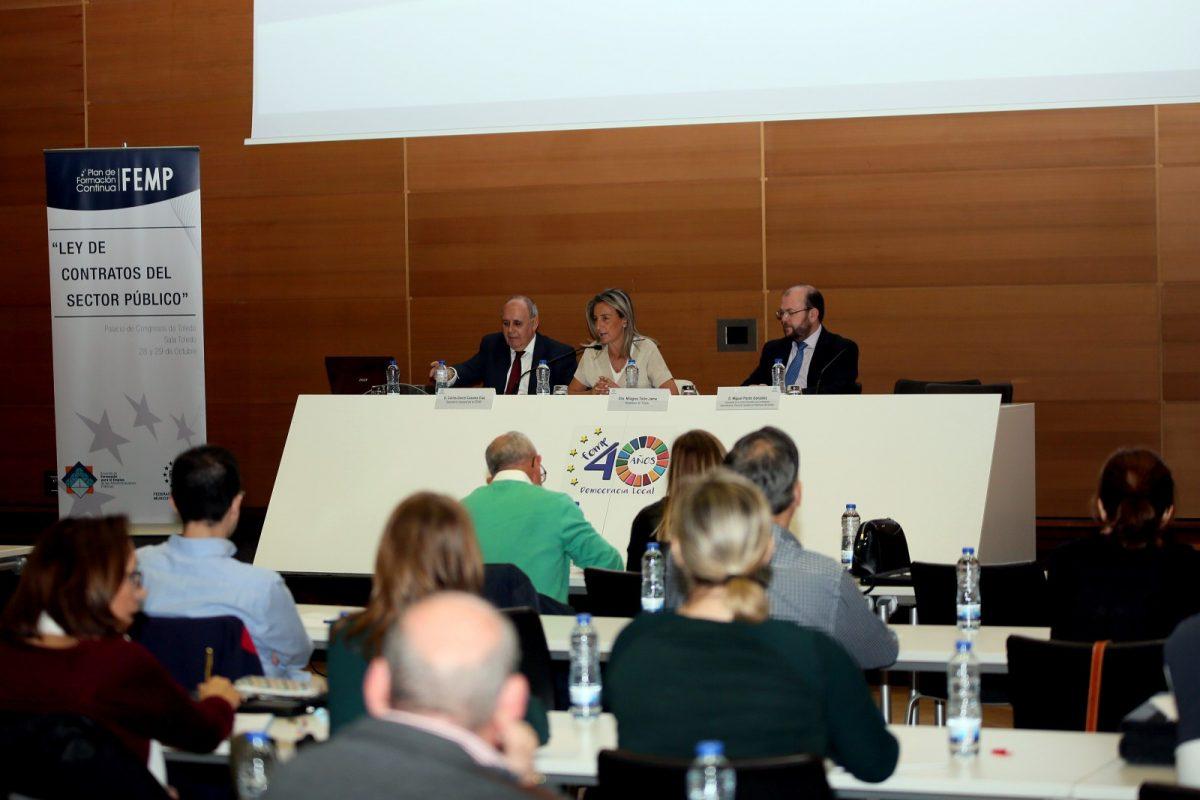 http://www.toledo.es/wp-content/uploads/2019/10/01_jornadas_femp-1200x800.jpg. La alcaldesa asegura que la contratación pública es la piedra de toque de la transparencia y rigurosidad de la Administración