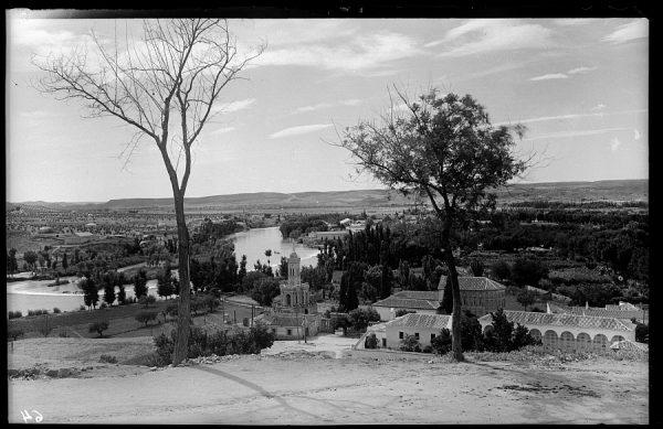 02 - 1947-07-00 - 064 - Toledo - Ermita del Cristo de la Vega