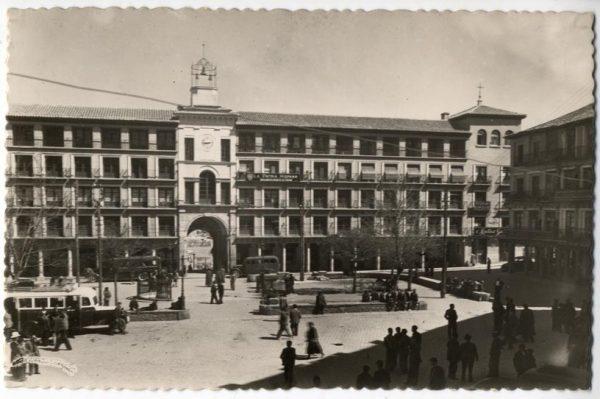 02 - 1952-11-00 - 111 - Toledo - Plaza de Zocodover