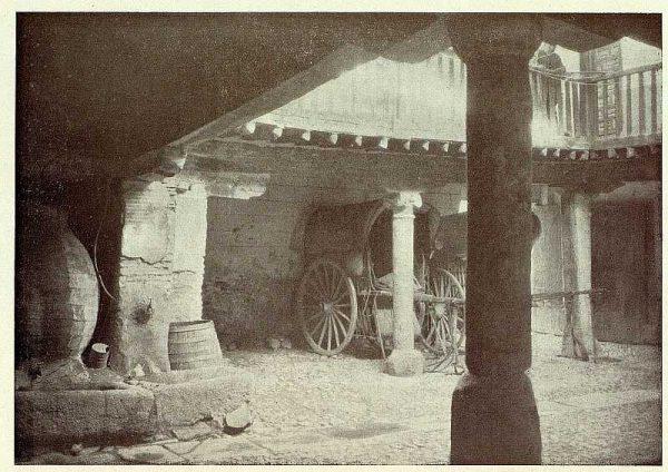 020_TRA-1927-250-Posada de la Sangre, patio-Foto Rodríguez